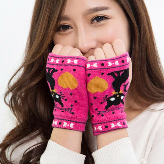 Knitted Cartoon Cat Gloves...