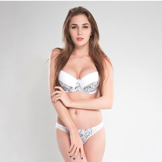 Print sexy bra and panty set
