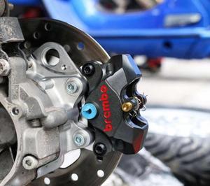 Image 5 - Motorcycle modifivation cnc aluminium alloy brake caliper bracket For piaggio vespa gts gtv 300 primavera sprint 150