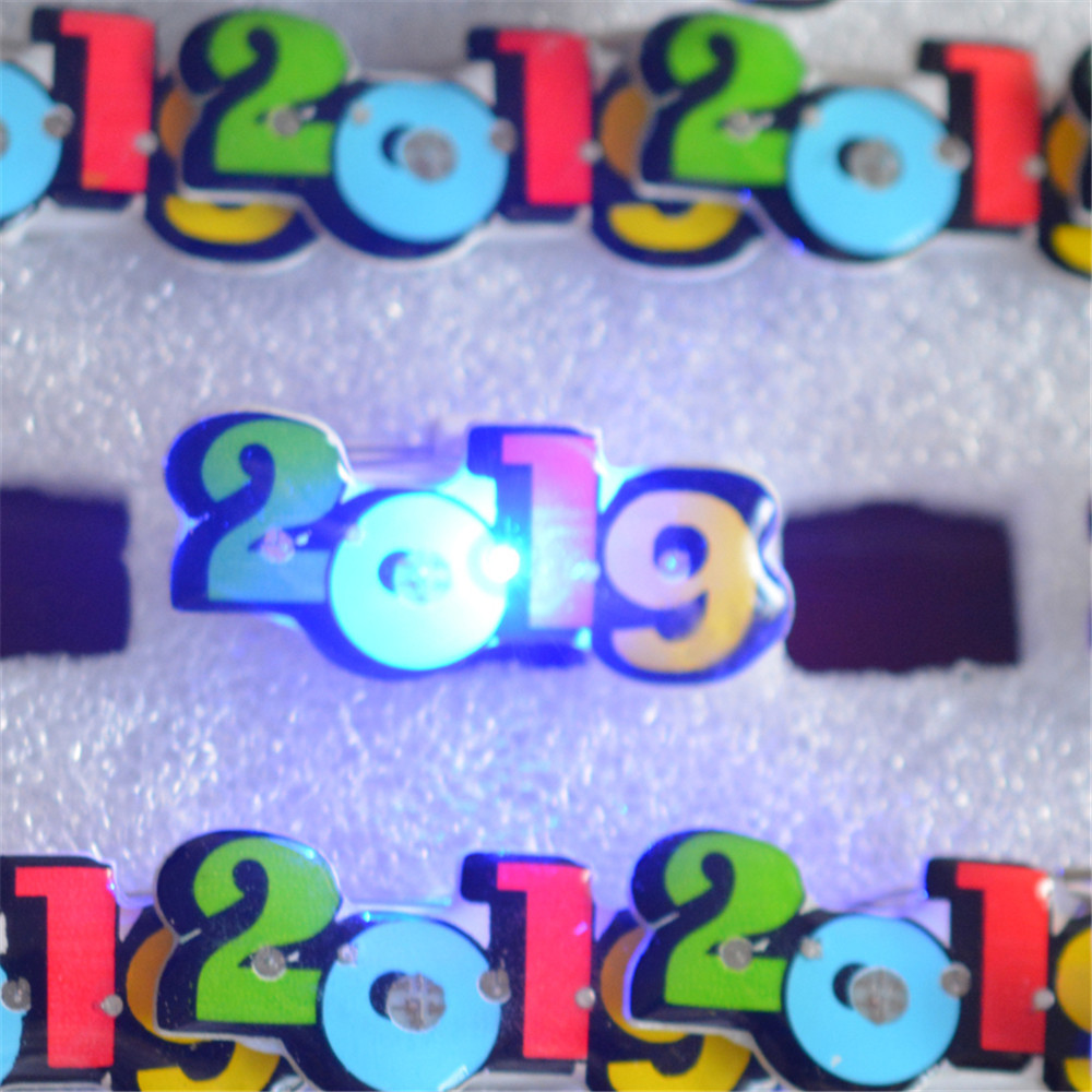 Jewelry & Accessories Dutiful Susenstone 2018 25pcs Color Number 2019 New Year Led Flash Badge Button Pin Bar Party Props And Digestion Helping