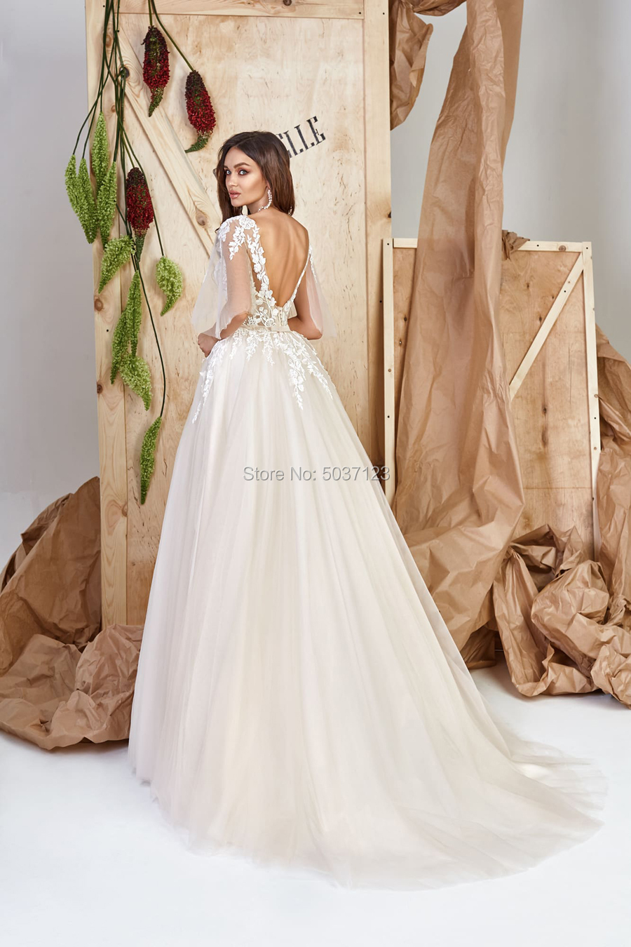 Image 2 - Half Sleeves Wedding Dresses Lace Appliques Scoop Open Back Floor Length Court Train Tulle Vestido De Noiva Bridal Wedding Gown-in Wedding Dresses from Weddings & Events