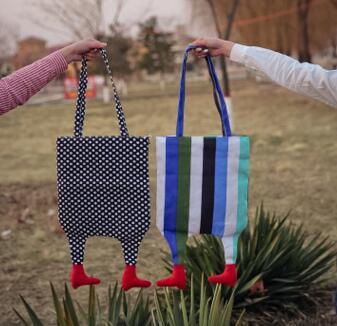 2017 Neue Weiblichen Koreanischen Art Persönlichkeit Kleine Paket Leinwand Füße Farbe Streifen Umhängetasche