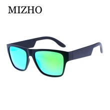 MIZHO Marca Hip Hop VERDE Quadrado Óculos Polarizados Homens Moda Mulher Óculos  De Sol de Plástico Polaroid UV Verdadeira Visão . abb014caa9