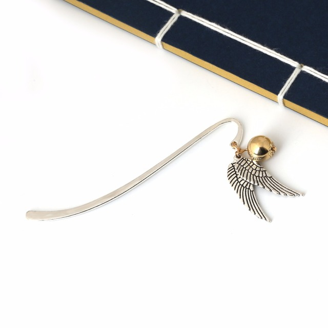 1pc/lot 2018 New Creative Fashion Wings Metal Antique Silver Harry Potter  Charms Bookmark School
