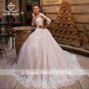 Image 3 - Sexy V hals Applicaties Wedding Dress Swanskirt Half Sleeve Lace Up A lijn Hof Trein Prinses Bruidsjurk Robe De Mariage LZ10