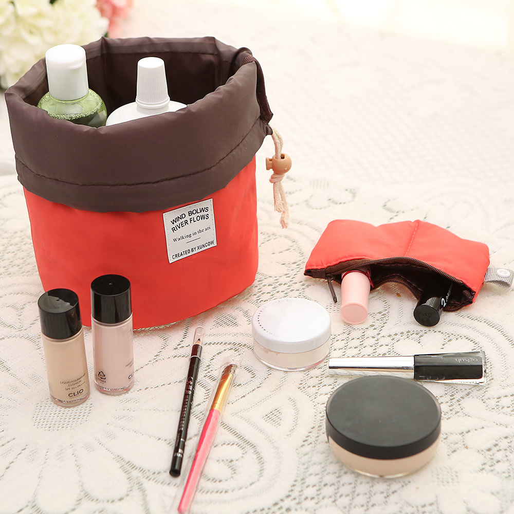 New Arrival Barrel Shaped Travel Cosmetic Bag Nylon High Capacity Drawstring Elegant Drum Wash Bags Makeup Organizer Storage Bag