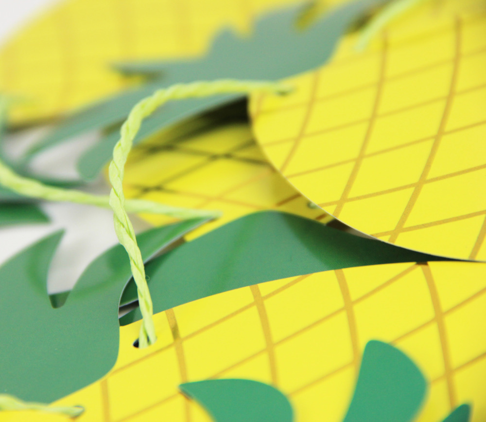 foil gold pineapple garland (3)