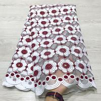 Latest High Quality African Tulle Lace Fabric 2019 White, Red Aso Ebi Style Guipure Lace Fabric with 3d Lace Fabric Flowers