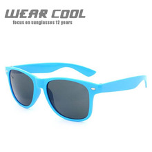 цена 2019 Wear Cool Sun Glasses Women Men Driving Mirrors Sunglasses New Fashion High quality frame Resin lens UV400 Travel Outdoor
