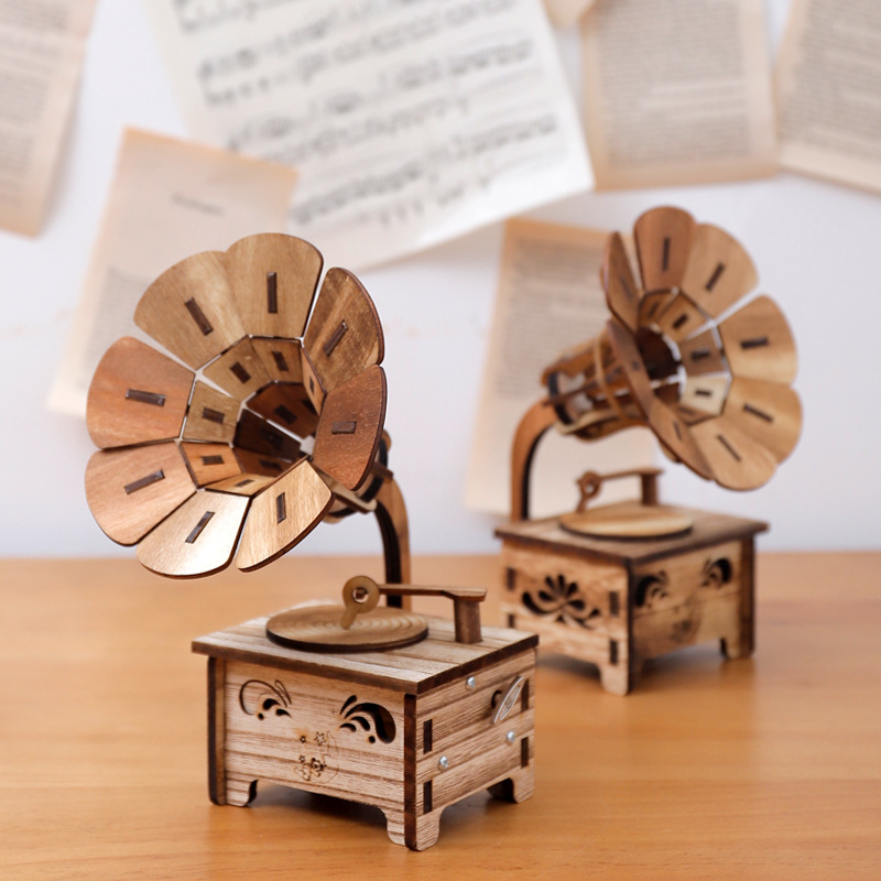 1 pc Wood Mini Gramophone Music Box Ornament, Retro Wooden Table Decoration, Hand Cranked for Elise, Birthday Gift Present