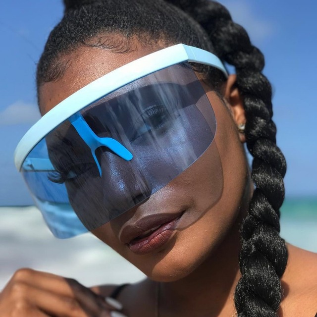 ae435ad7b5825 Máscara Viseira Escudo do vintage Retro Óculos De Sol Das Mulheres Dos  Homens 2018 Óculos À