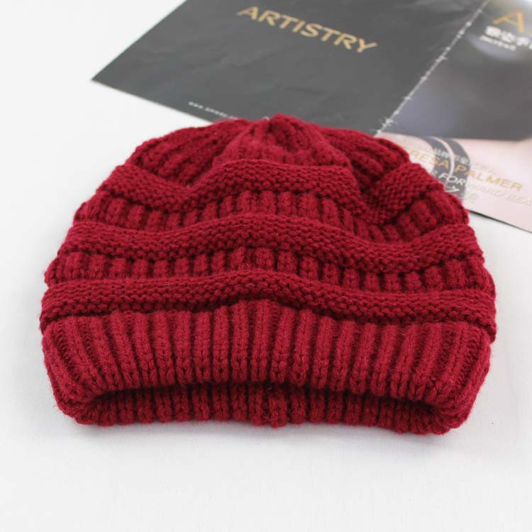 56d8811bdf0 2017 New Style China Factory Thick knit beanie custom cheap plain woven  label knitted beanie Free Shipping High Qulaity-in Skullies   Beanies from  Apparel ...