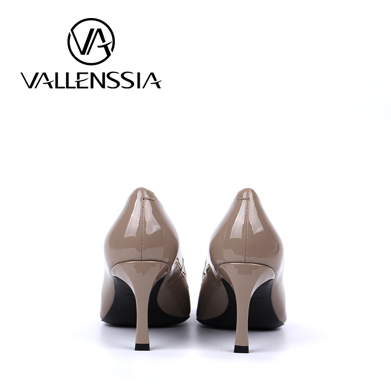 5bbee13786c7c Italian ladies  Ivory ash sheepskin shoes High heeled patent leather shoes  Foreign trade-in Women s Pumps from Shoes on Aliexpress.com