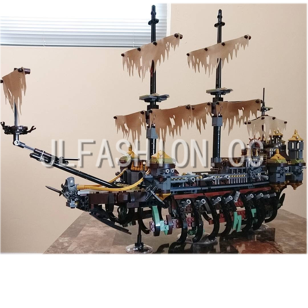 presell 16042 2344Pcs  Pirate Ship Series The Slient Mary Set Children Educational Building Blocks Bricks Toys Model Gift 71042 new lepin 16042 pirate ship series building blocks the slient mary set children educational bricks toys model gift with 71042