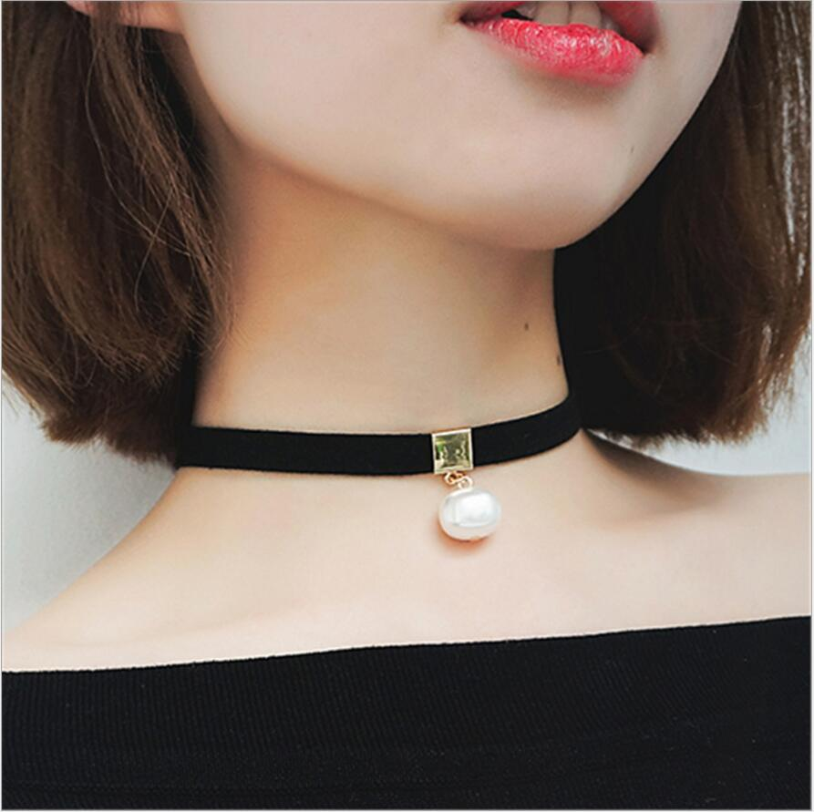 Romantic Choker Necklace Simulated Pearls