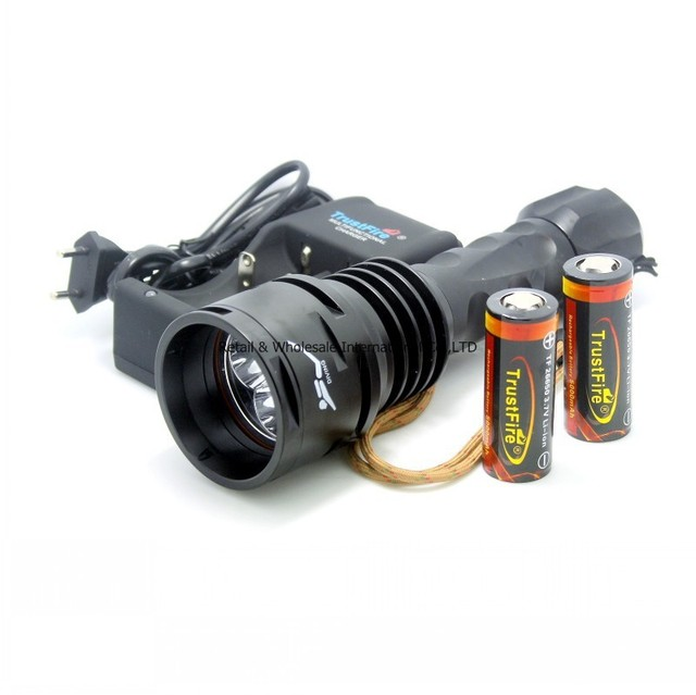 TrustFire TR-DF003 Diving Underwater 200m 4000 lumen 3x CREE XM-L T6 LED Flashlight Torch Waterproof 26650 Battery Charger