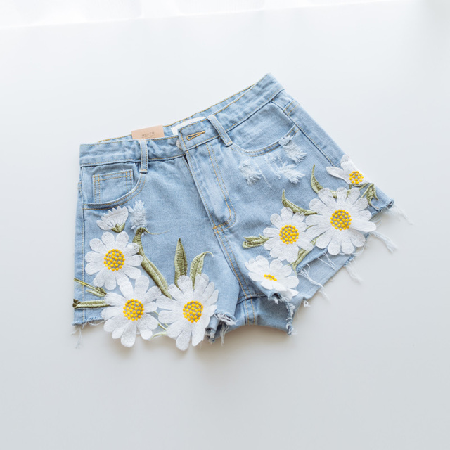 2016 Summer Style Lace flower pattern Women Embroidery Denim Shorts Light blue Lady ripped Short Pants Trousers SL040