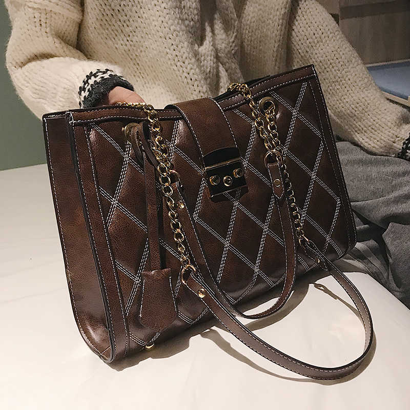 b0173059dfd3 Retro Fashion Female Big Tote bag 2018 New Quality PU Leather Women s  Handbag Lattice Lock Chain