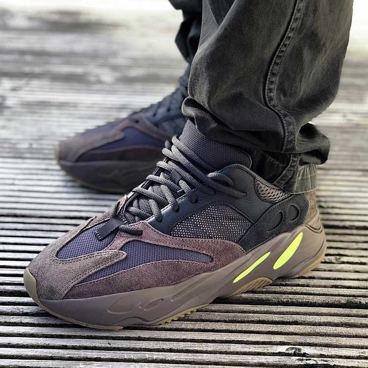 timeless design 76ba8 6feee Adidas Yeezy Boost 700 Inertia New Arrival Men Running Shoes Comfortable  Breathable Shoes Original Sneakers#B75571
