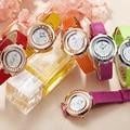 2016 Mulheres Super Clássico Pulseira De Couro Genuíno relógio de Quartzo Marca de Luxo Top Rolando Strass Vestido Da Menina de Moda Casual Relógios