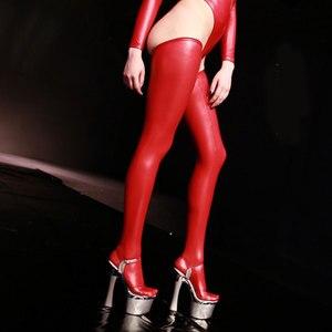 Image 2 - Seksowne kobiety Plus rozmiar lateksowe błyszczące wysokie pończochy Faux skórzane pończochy Moto Biker Club Stage Wear czarny czerwony niebieski F30