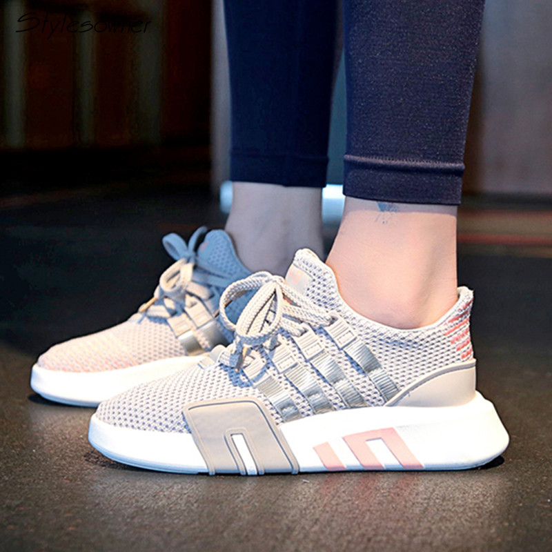 Stylesowner 2018 New Fashion Women Laces Mesh Sneakers Breathable Summer Flat Sneakers Lace Up Women Casual Shoes Big Size 43EU