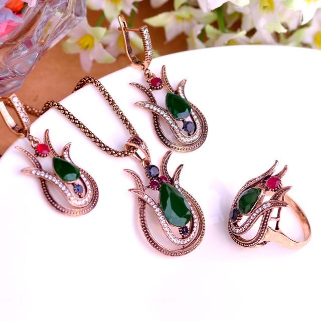 Lily Jewelry Set