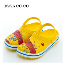 ISSACOCO  2018 New Slippers Mens Shoes Holes Sandals Men Hole Breathable Beach Zapatillas Sandalet Chinelo