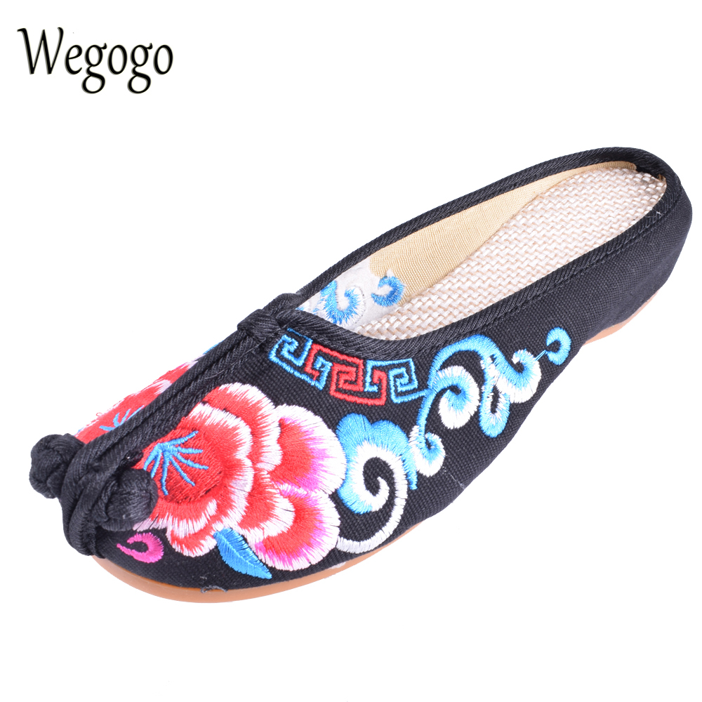 Wegogo Old Peking Women Cloth Shoes Chinese Style Totem Flats Embroidery Casual  Slippers Red+Black Women Sandals Shoes vintage embroidery women flats chinese floral canvas embroidered shoes national old beijing cloth single dance soft flats