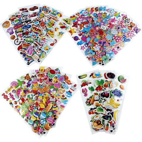 de presente criativo animal dos desenhos animados da forma coracao adesivo