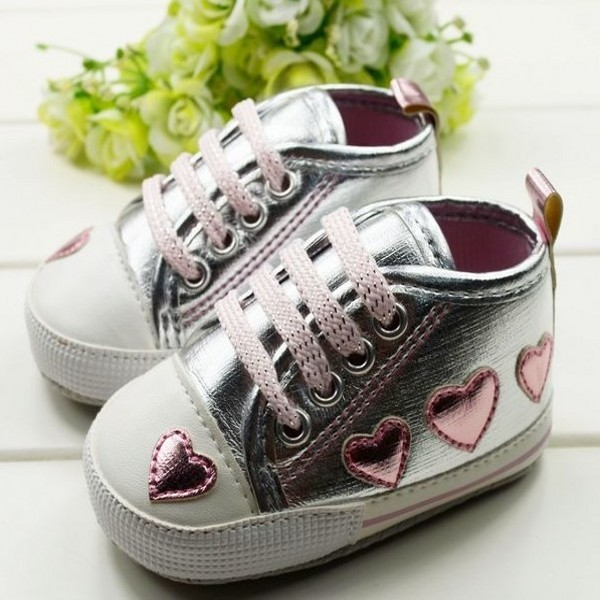 0-18M Baby Toddler Girls Cute Shoes Silver Crib Heart Walking Soft Sneaker First Walkers New