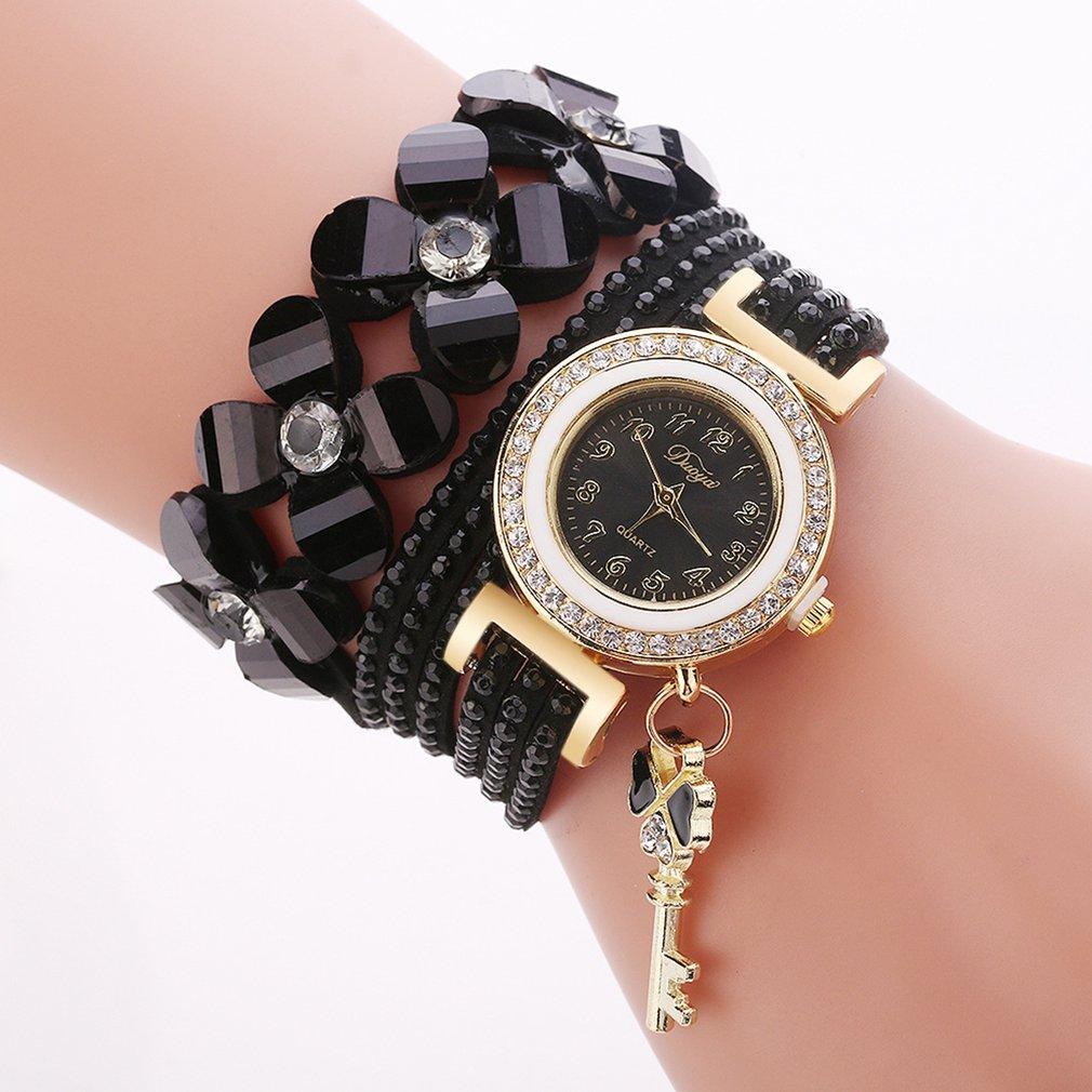 Watch New Fashion Four Flowers Hand Chain Casual Waterproof Women Watches Quartz Lady Leather Wrist Watch