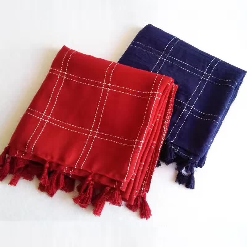 Hot sale plain plaid hijabs viscose women solid shawl wrap large head scarf islamic lady tassels