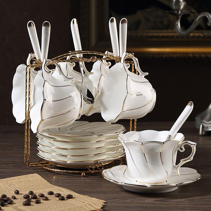 Złota wkładka porcelany kostnej filiżanka do kawy ze spodkiem uchwyt łyżki zestaw europa ceramiczne naczynie na herbatę kubek Party Cafe zaawansowane porcelany filiżanka do herbaty Drop Ship w Filiżanki i spodki od Dom i ogród na AliExpress - 11.11_Double 11Singles' Day 1