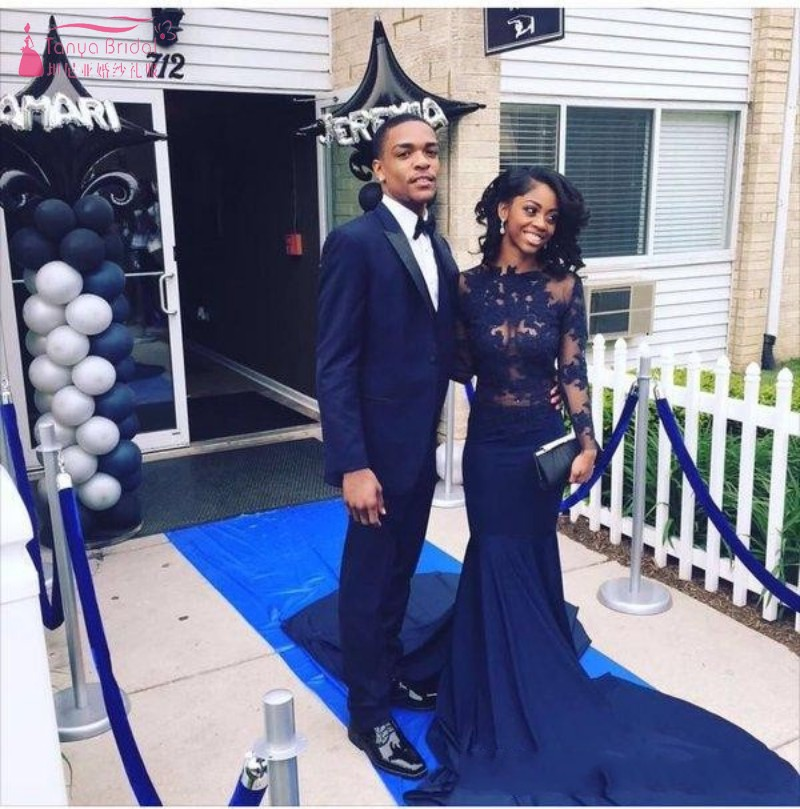 Sexy See Through Illusion Lace Prom Dresses Black Girl Long Sleeves Navy Blue Sweep Train Party Evening Gowns JQ200