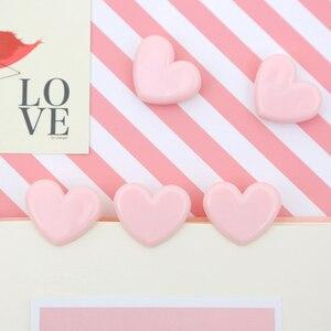 Image 2 - TUTU 100pcs Cute love heart Pink Color Small Paper Clip Plastic Craft Memo Clips DIY Photo Clamps Decorative Office School H0259
