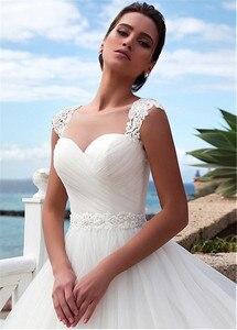 Image 4 - מדהים טול תכשיט מחשוף כלה שמלה עם חרוזים תחרה אפליקציות גבישי חגורת כלה שמלות