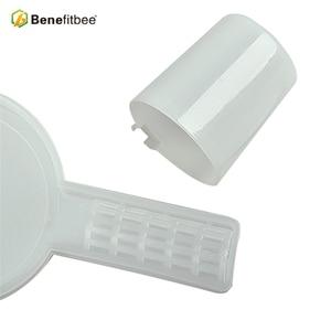 Image 3 - Benefitbee 2pcs Beekeeping Tools Bee Feeder For Beekeeper Beekeeping Equipment Supplies middle size plastic bee feeder