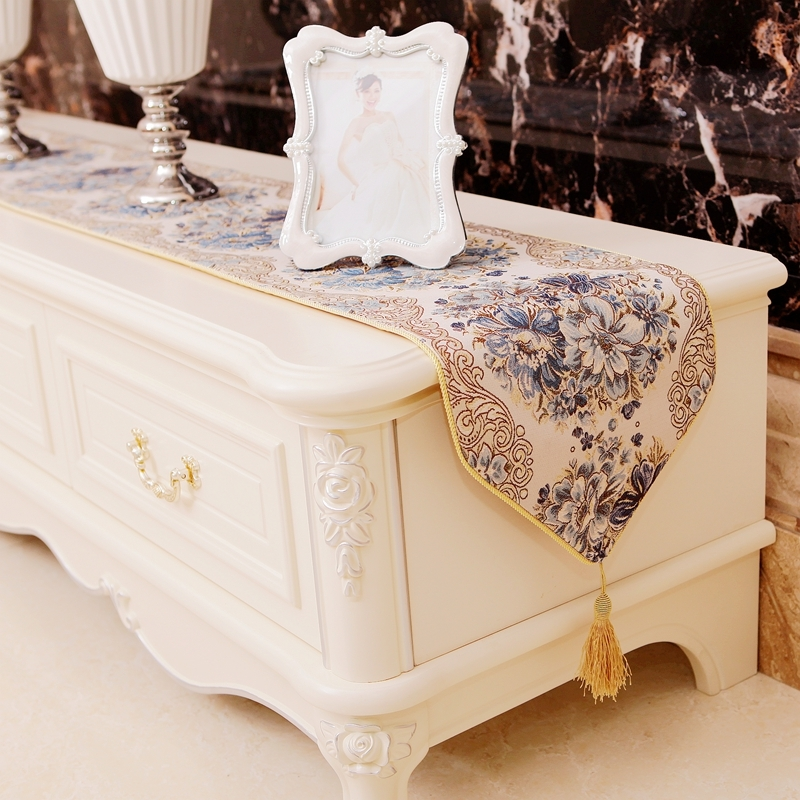 British Fashion Damask Lace Embroidery Grey Coffee Table Runner Mats Flag French Tv Cabinet Piano Wedding Holiday Camino De Mesa Buy At The Price Of 6 98 In Aliexpress Com Imall Com