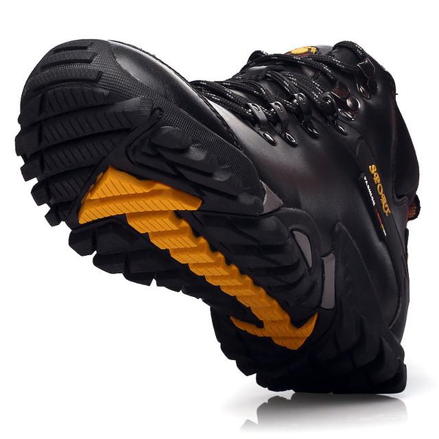 Homens Botas de Neve Ao Ar Livre Dos Homens Resistente À Água Quente Sapatos de Caminhada Dos Homens Sapatos Casuais Botas De Couro de Pelúcia Anti-skid Tático calçado