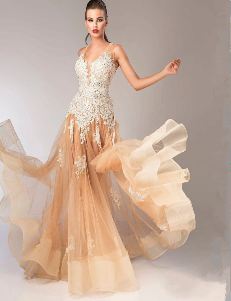 V Neck Long Fitted Backless 2018 Tulle Formal Prom gown With Lace Appliques Horse Hair Hem vestidos de gala bridesmaid dresses