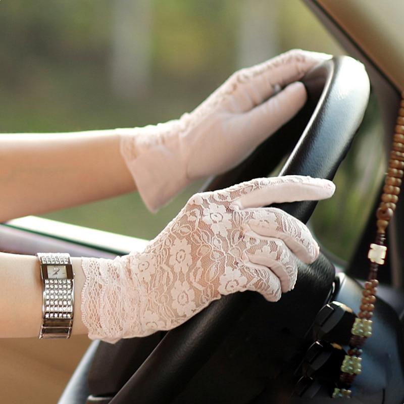 Women Sunscreen Gloves Female Summer Short Lace Ice Silk Five Finger Wrist Mittens Anti-UV Sun Driving Glove New Listing UV013D