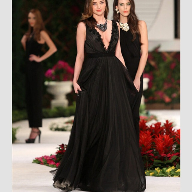 e64916a7350 Plus Size Miranda Kerr Sexy V-neck Black Chiffon Celebrity Dress Evening  Gown vestido longo de festa Red Carpet Dresses C1033