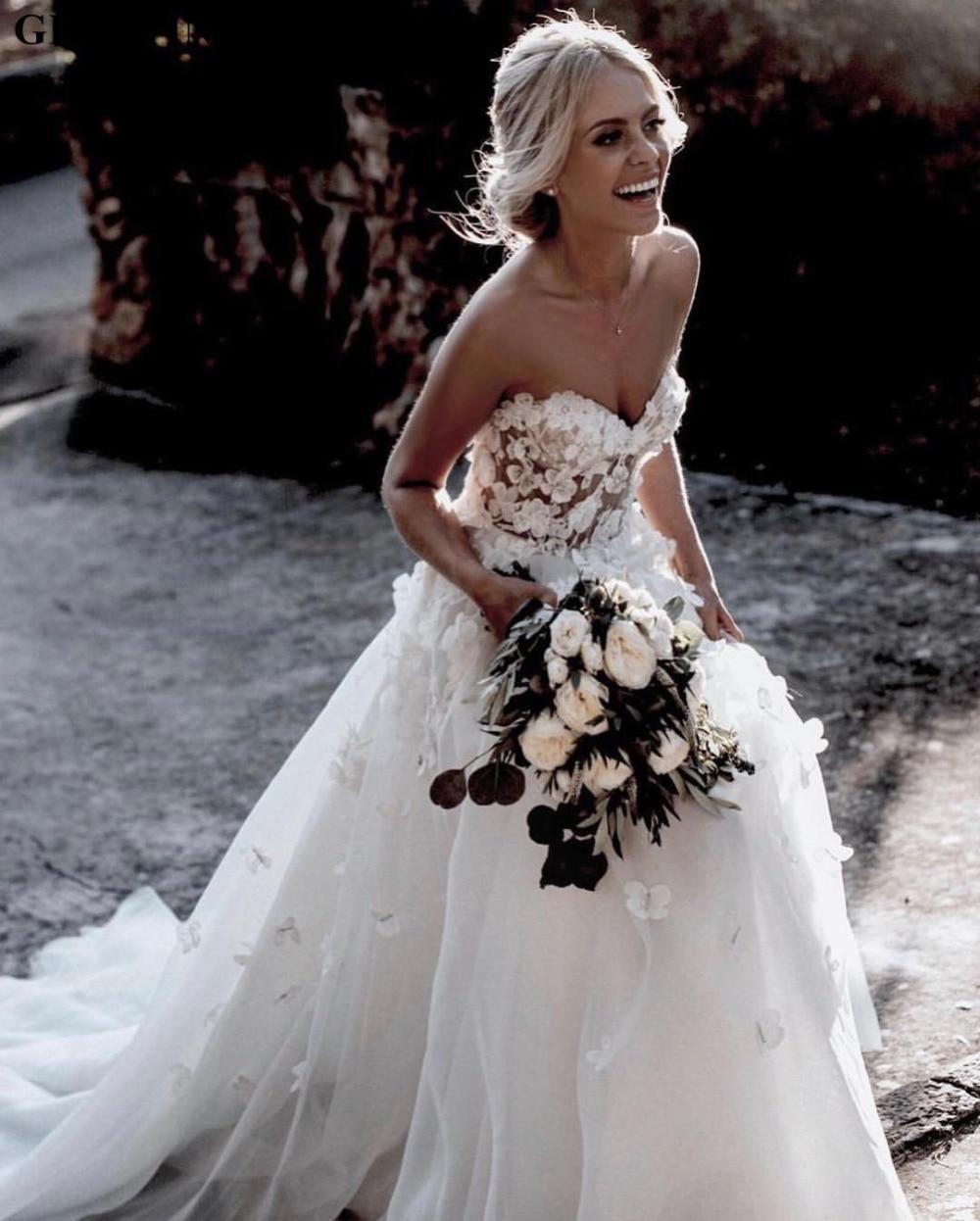 Vintage Lace 3D Flowers Boho Wedding Dress 2019 Elegant Off Shoulder Illusion Summer Beach Wedding Dresses Country Bridal Gowns