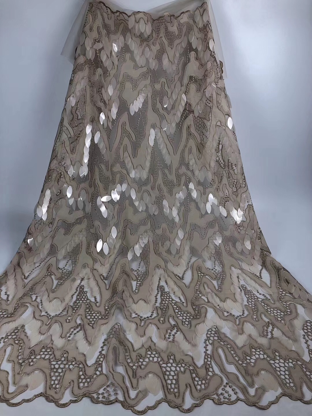 Beautifical african lace fabrics Fashion design 3d sequins net lace fabric for dress nigerian net lace fabric 5yards ML1N777Beautifical african lace fabrics Fashion design 3d sequins net lace fabric for dress nigerian net lace fabric 5yards ML1N777
