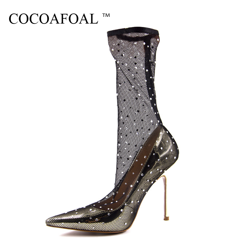 COCOAFOAL Woman Transparent Sandals Plus Size 43 Sexy Glitter High Heels Rhinestone Prom Shoes Stiletto Clear Wedding Pumps 2018 cocoafoal woman green high heels shoes plus size 33 43 sexy stiletto red wedding shoes genuine leather pointed toe pumps 2018