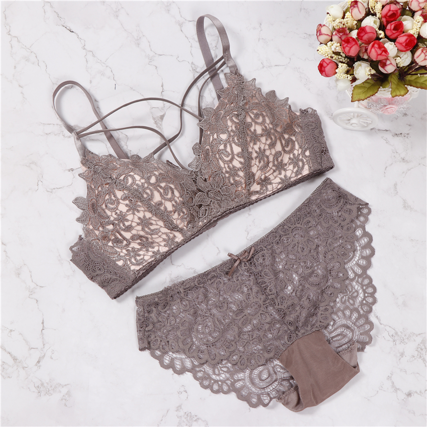 2018 floral wireless bra lace lightly lined triangle bra set underwear women lingerie deep plunge V neck new arrival
