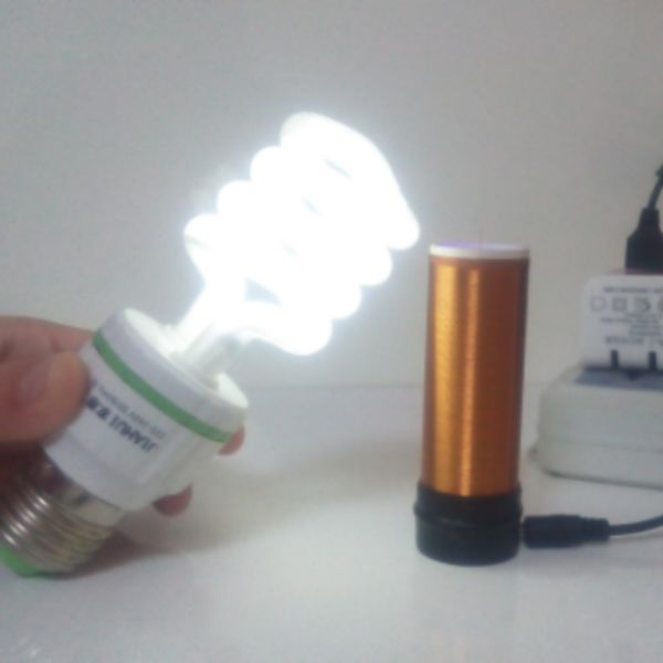Electronic toys / small Tesla coil / wireless transmission with lighting electronic production