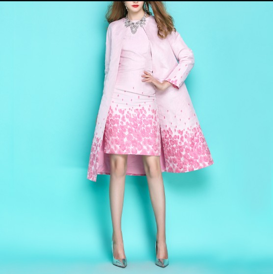 2019 Spring and Autumn Women's Gradient Pink Floral Jacquard Long Trench Coat Elegant Ladies Round Neck Windbreakers Outwear