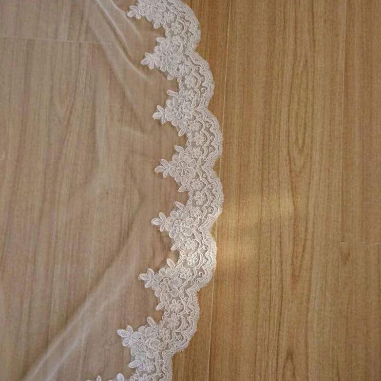 Image 2 - 2018 New Hot High Quality France Lace Appliques Lace Edge Bridal Mantilla Veil with Comb Velo De Novia Wedding Veils AccessoriesBridal Veils   -